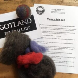 new-zealand wool gotland ball felt felting Wet